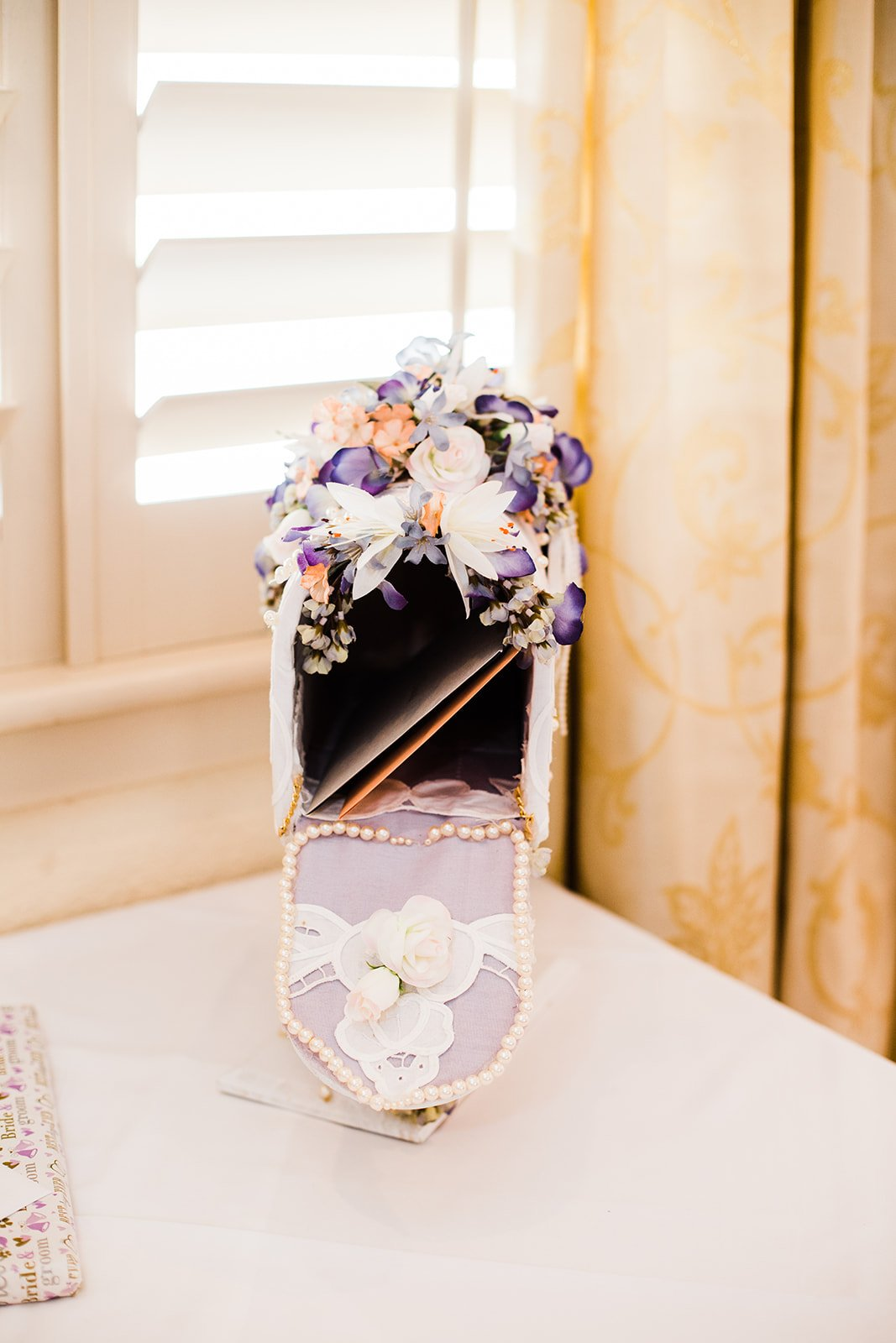 Budget-Friendly-Intimate-Wedding-Virginia-Lesner-Inn (15)