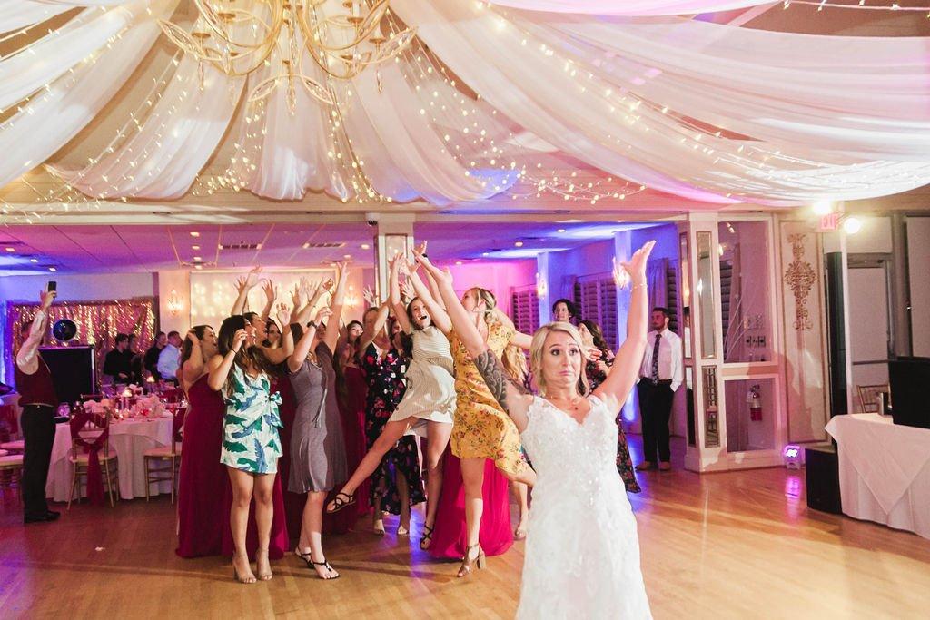 Weddings-on-the-Water-Virginia-Lesner-Inn (7)