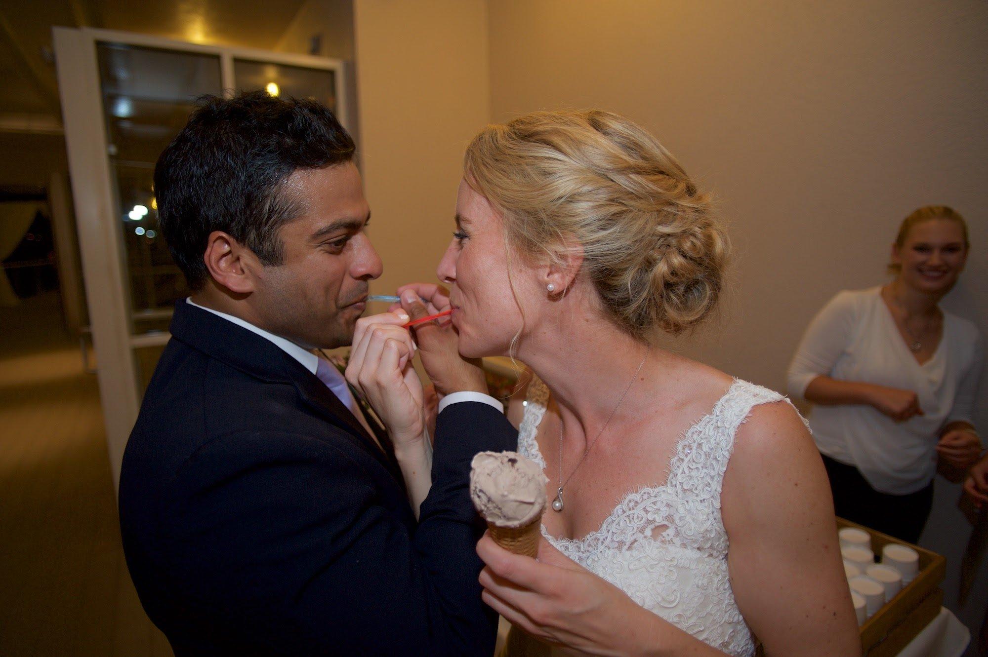 Best-Dessert-Alternative-Lesner-Inn-Wedding-Gelato-Wasin-French-Photography.jpg