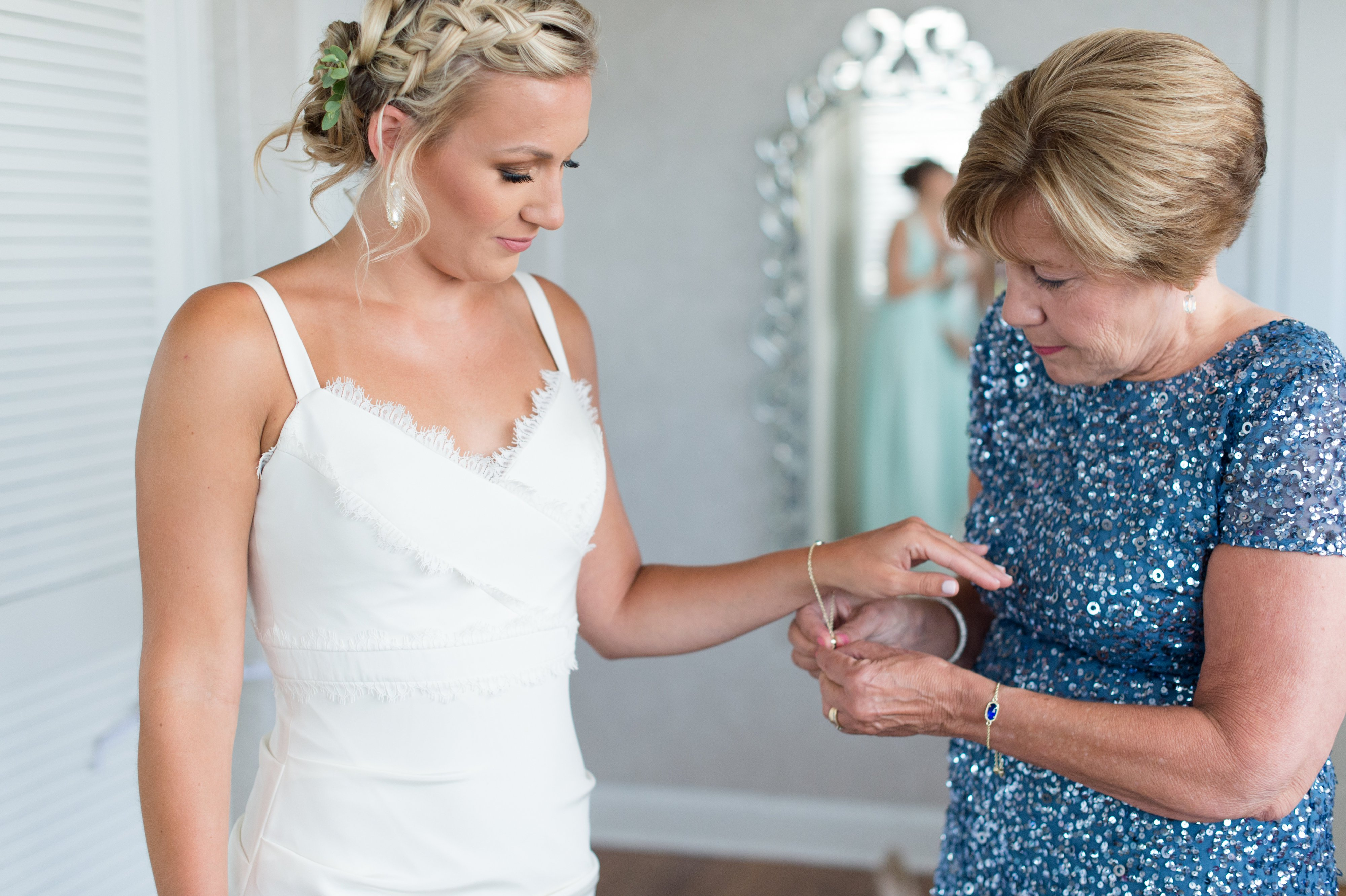 Best-Something-Borrowed-Bridal-Suite-Venue-Virginia-Beach-Lesner-Inn-Beth-Hamilton-Photography.jpg