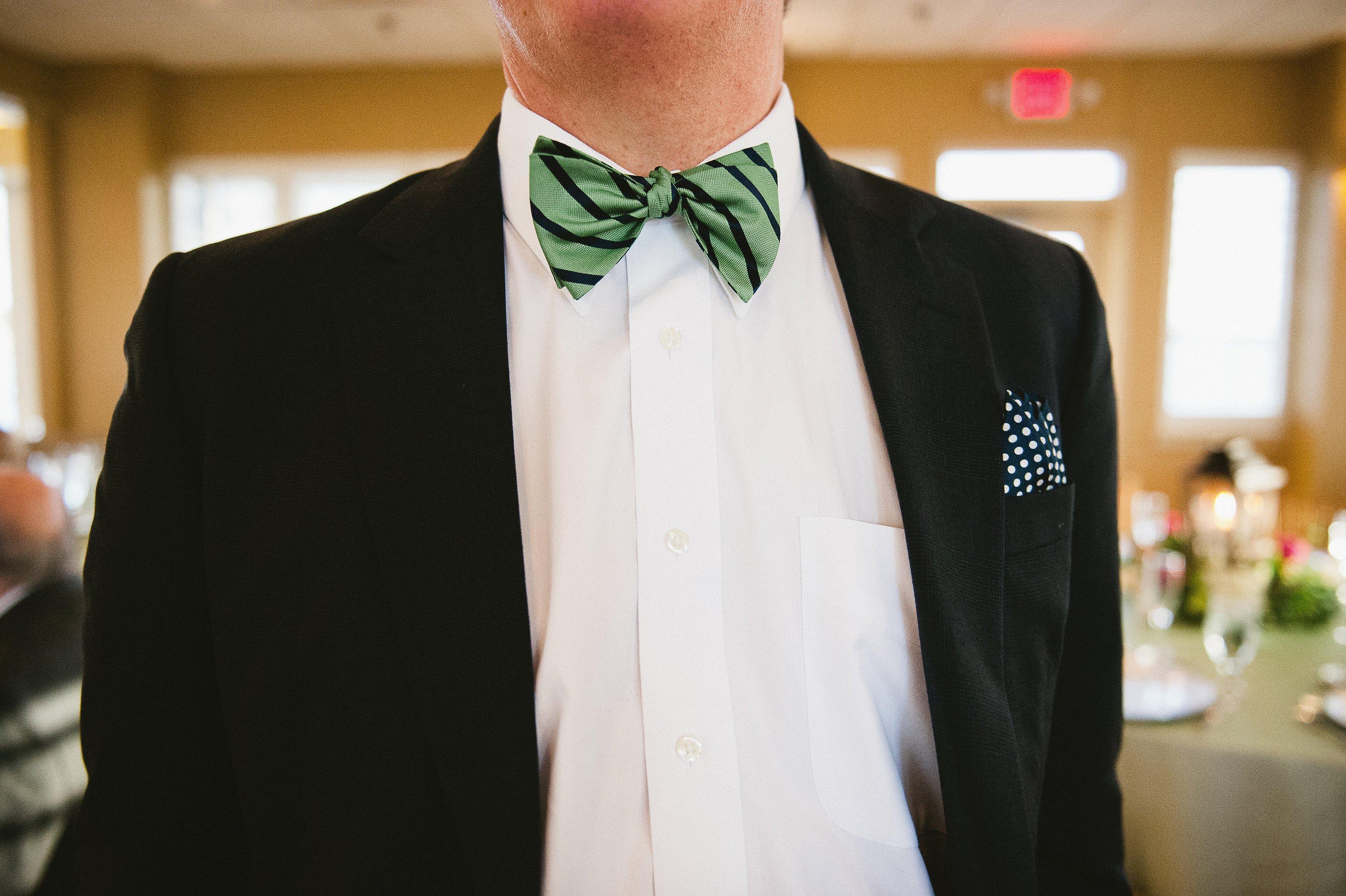 Green-2017-Wedding-Trend-Virginia-Beach-Waterfront-Wedding-Tracey-Sanders-Photography