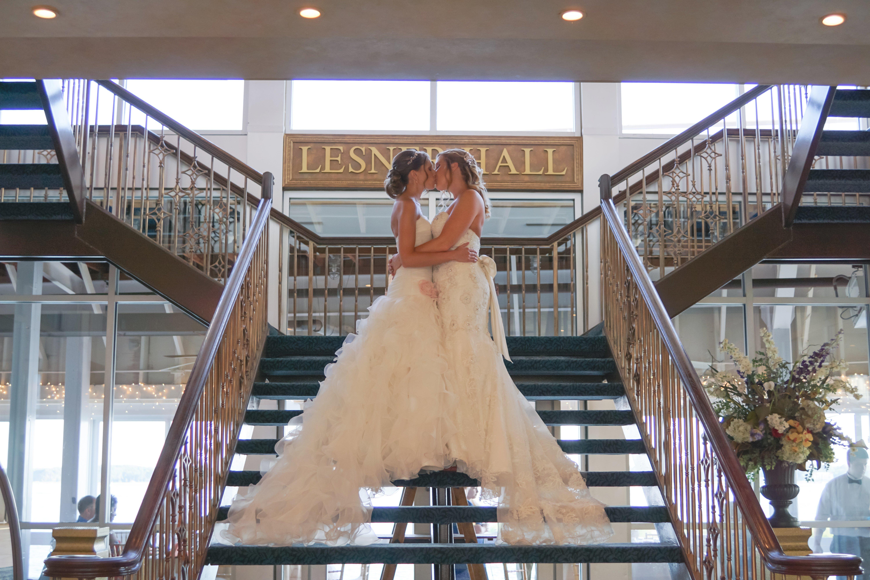 Lesner-Inn-Wedding-Virginia-Beach-Staircase-Dramatic-Venue.jpg