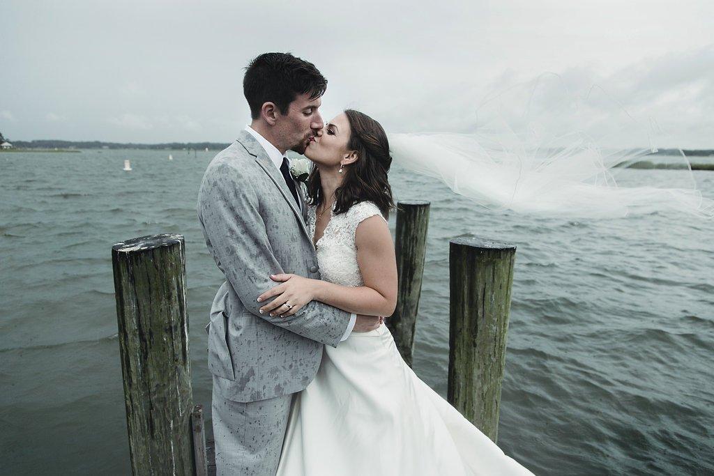 Rainy-wedding-Lesner-Inn-Virginia-Beach-weather-proof-venue-Echard-Wheeler