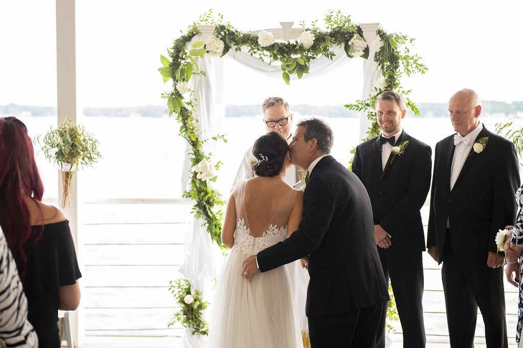 Waterfront-Greenery-Iceland-Wedding-Virginia-Beach (66)
