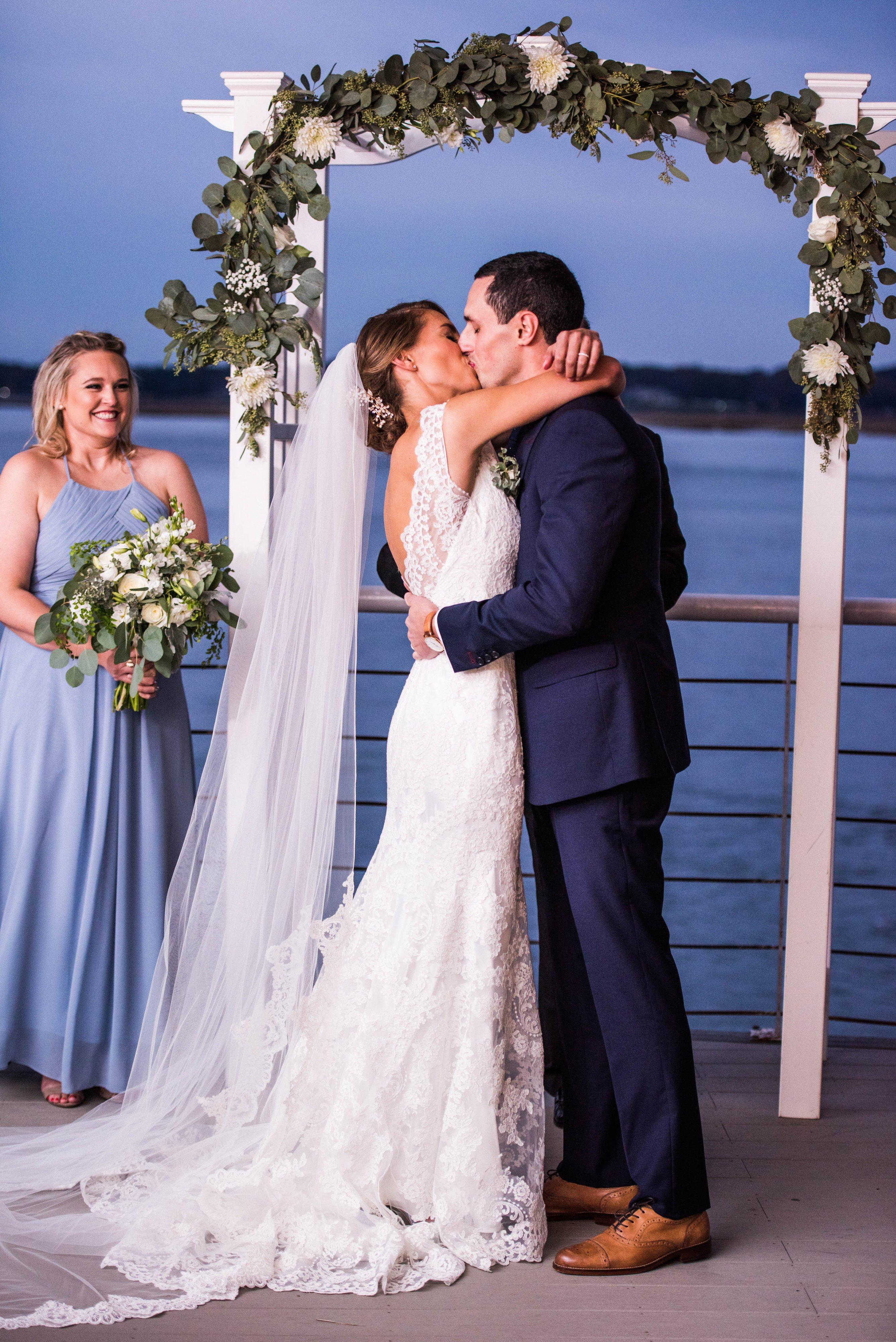 Waterfront-Wedding-Ceremony-Lesner-Inn-Virginia-Beach-Stellar-Exposures-Photography.jpg