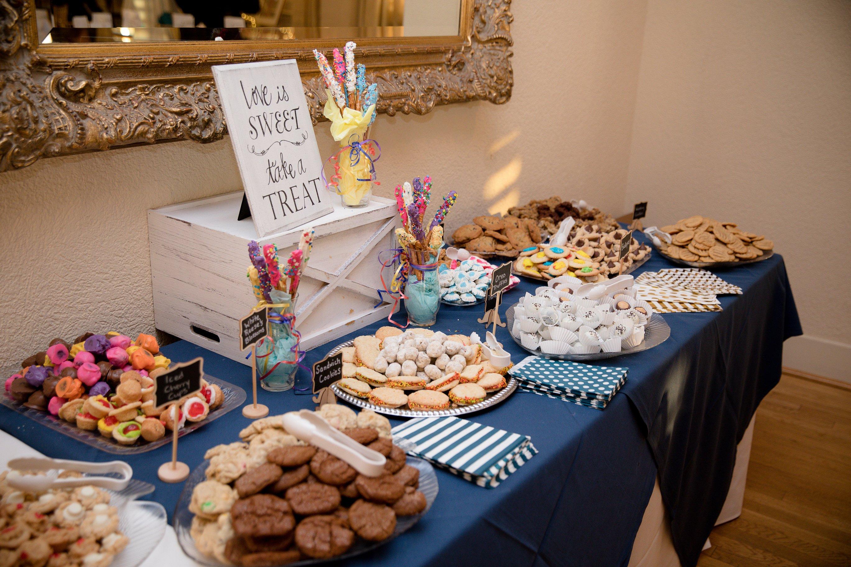 Waterfront-Wedding-Venue-Virginia-Beach-Sweets-Table.jpg